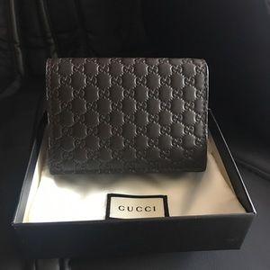 NIB Gucci Men's Brown Microguccissima Card Case